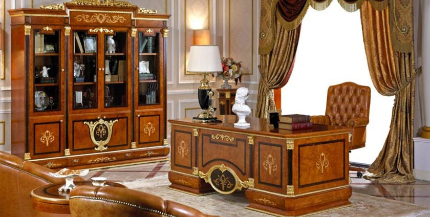 Royal desk