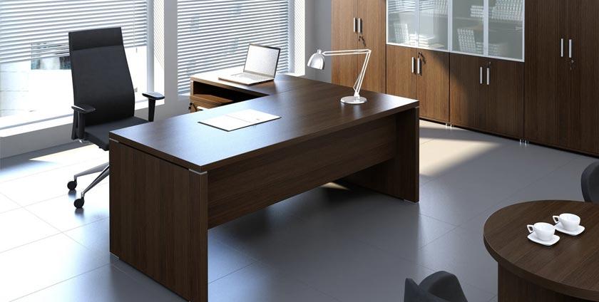 Tips for choosing a management desk